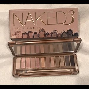 NIB Urban Decay Naked 3 Eyeshadow Pallette